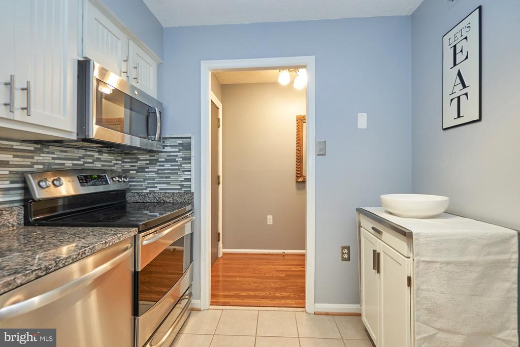 Kitchen - 1301 N COURTHOUSE RD #916, ARLINGTON