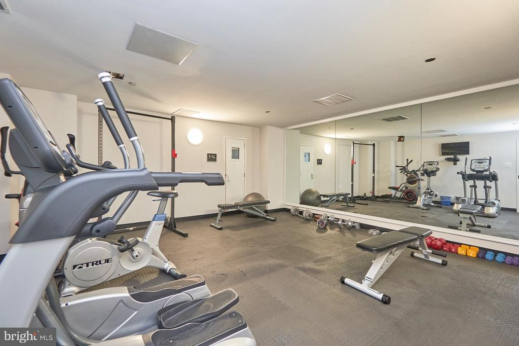 Gym - 1301 N COURTHOUSE RD #916, ARLINGTON