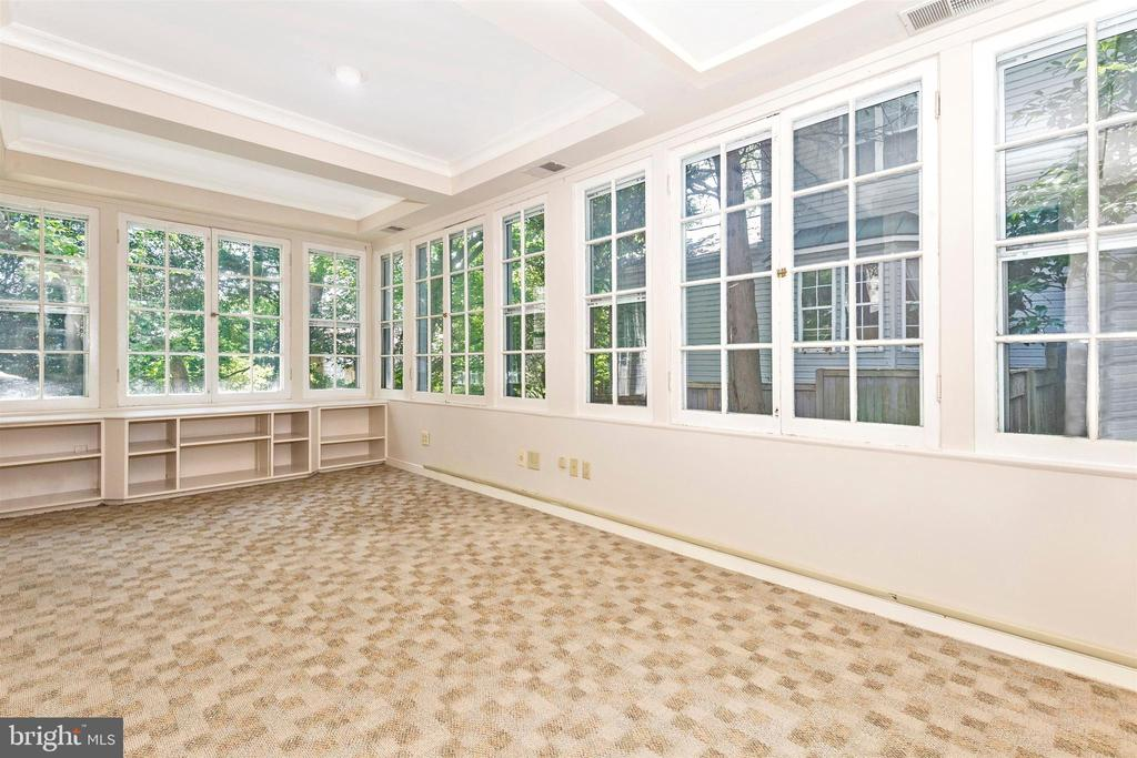 Main home sunroom - 8931 COLESVILLE RD, SILVER SPRING