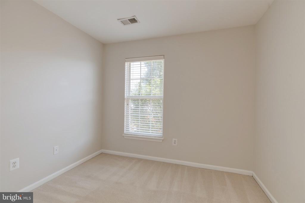 Second Bedroom - 6948 BANCHORY CT, ALEXANDRIA