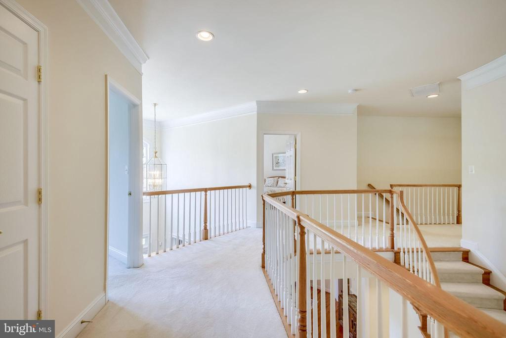 Upper Level Landing - 11604 TORI GLEN CT, HERNDON