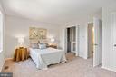Owner's bedroom has 2 closets - 848 N FREDERICK ST, ARLINGTON