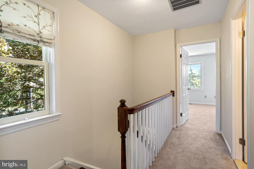 New carpet throughout - 848 N FREDERICK ST, ARLINGTON