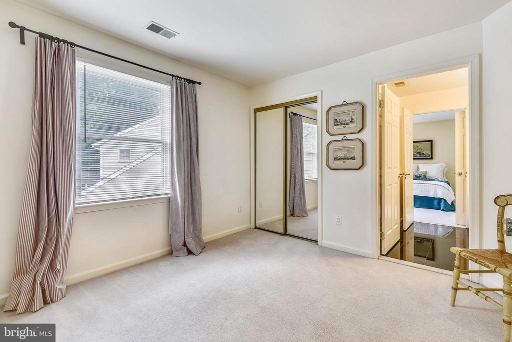 Bedroom #2 shares a bath with bedroom #3 - 20405 EPWORTH CT, GAITHERSBURG