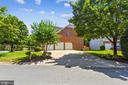 Three car side load garage and driveway - 20405 EPWORTH CT, GAITHERSBURG