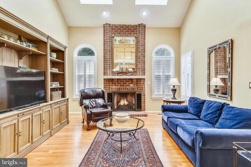 Two-story family room has 2 new skylights - 20405 EPWORTH CT, GAITHERSBURG
