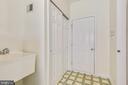 Mud room - laundry room has service door to garage - 20405 EPWORTH CT, GAITHERSBURG