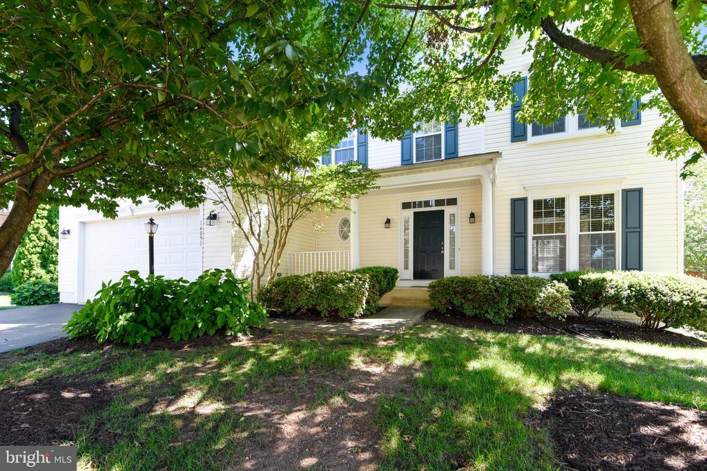 Welcome Home! - 14091 EAGLE CHASE CIR, CHANTILLY