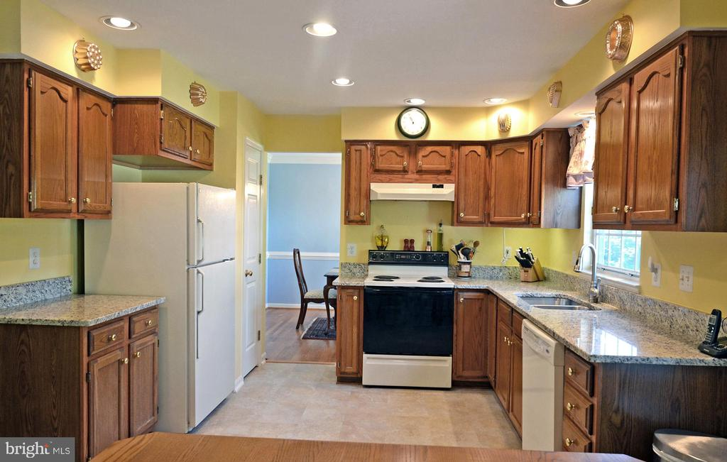 Plenty of Cabinet & Counter Space - 2314 COLTS BROOK DR, RESTON