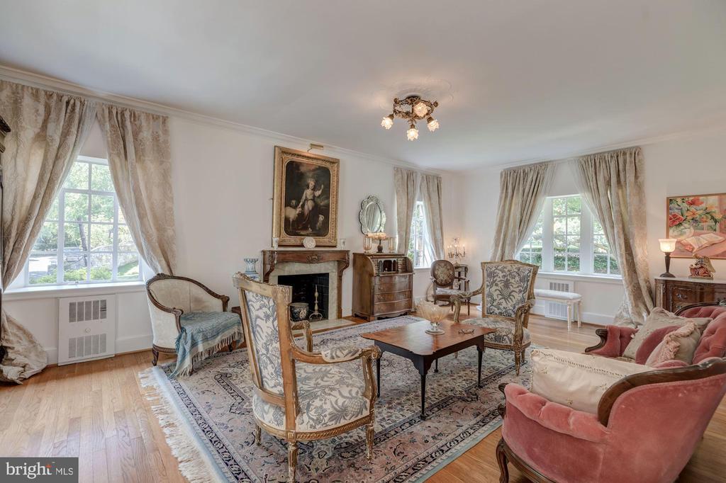 Living Room - 3001 FOXHALL RD NW, WASHINGTON
