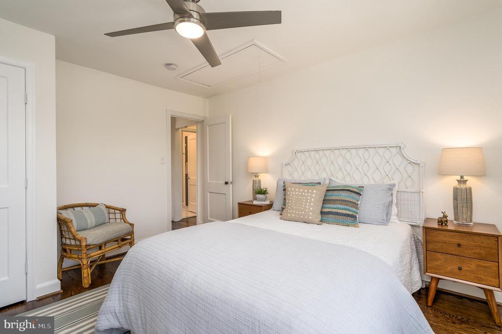 Third bedroom with hardwood floors - 3506 7TH ST N, ARLINGTON