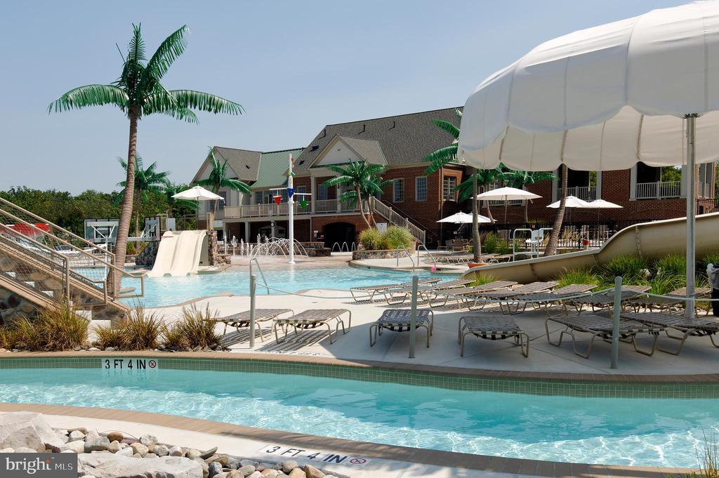 Community pool with lazy river! - 9509 TOTTENHAM CIR, FREDERICK