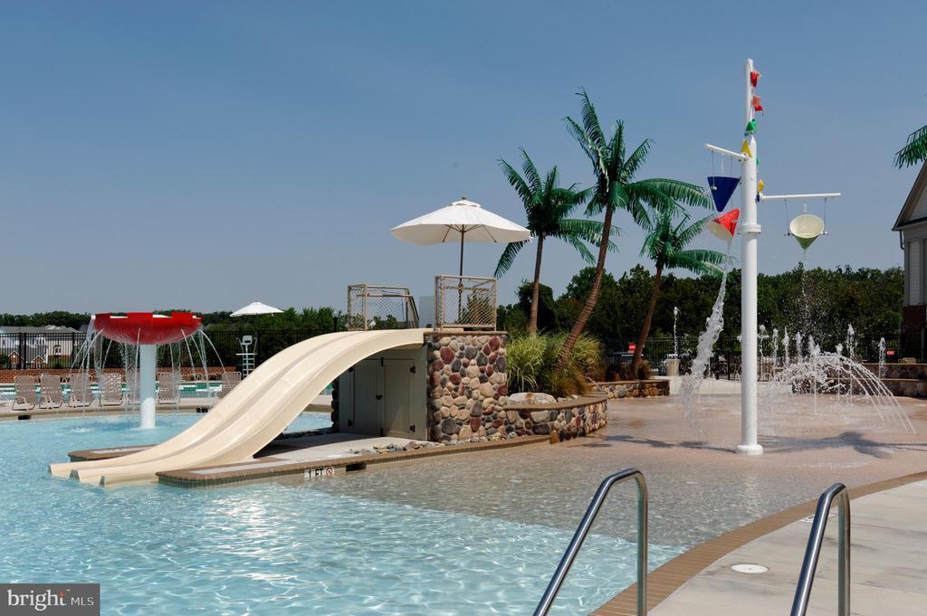 2 community pools! - 9509 TOTTENHAM CIR, FREDERICK