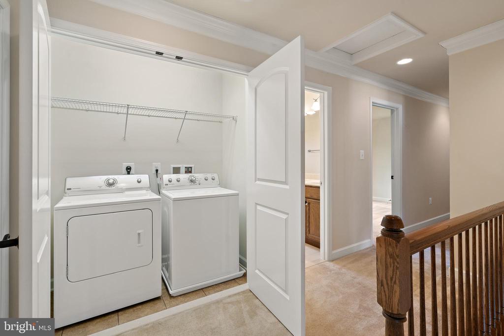 upper level laundry - 7304 BACKLICK RD, SPRINGFIELD