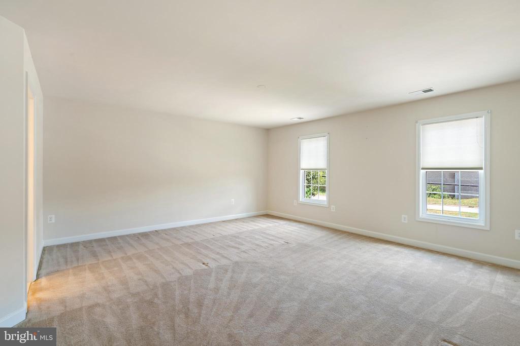 master bedroom #2 - 7304 BACKLICK RD, SPRINGFIELD