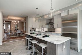 Gourmet Kitchen  (very similar example) - 427 N CLEVELAND ST, ARLINGTON