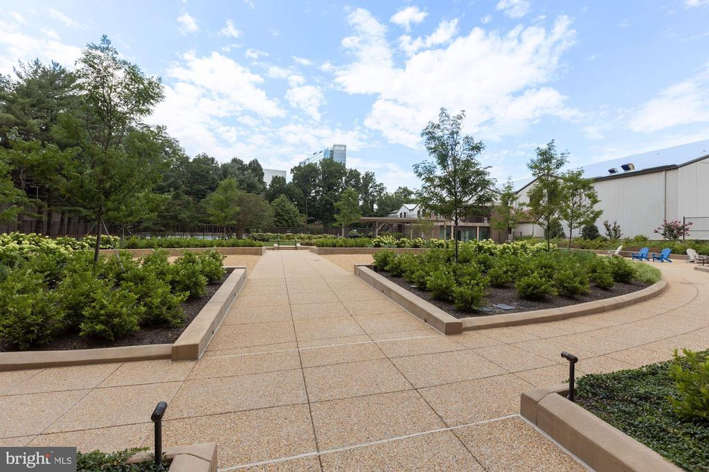 How about doing your exercise on these walkways? - 1800 OLD MEADOW RD #1106, MCLEAN