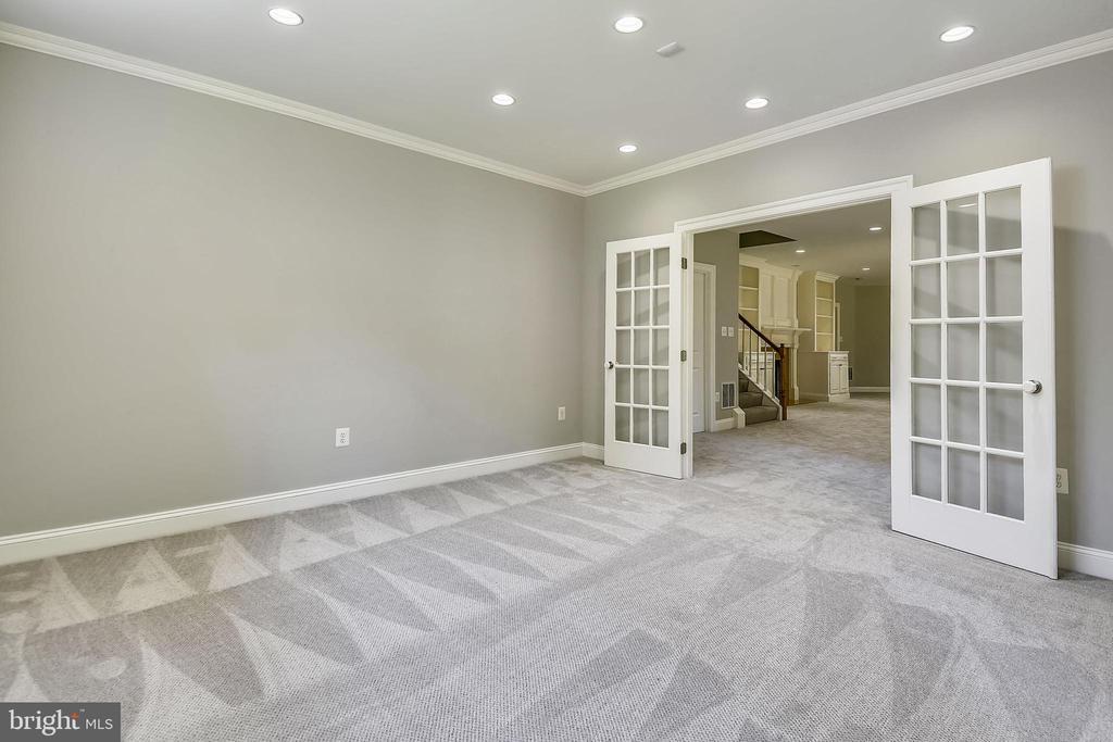 Bonus Room (8th br??) - 6811 CLIFTON RD, CLIFTON