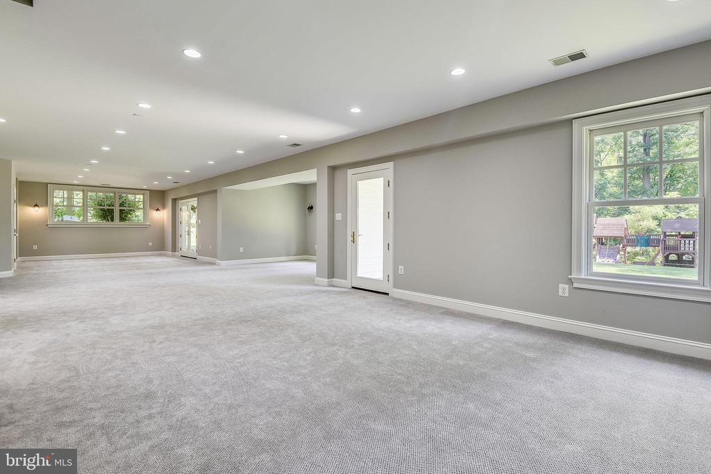 Light & Bright Lower Level - 6811 CLIFTON RD, CLIFTON