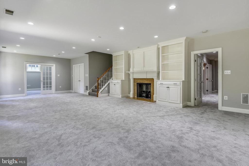 Fifty-three-foot long Rec Room!!! - 6811 CLIFTON RD, CLIFTON