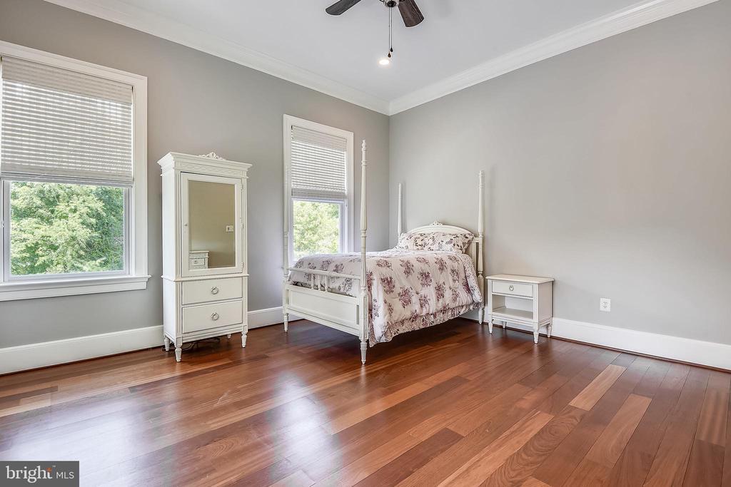 Bedroom #3 - 6811 CLIFTON RD, CLIFTON