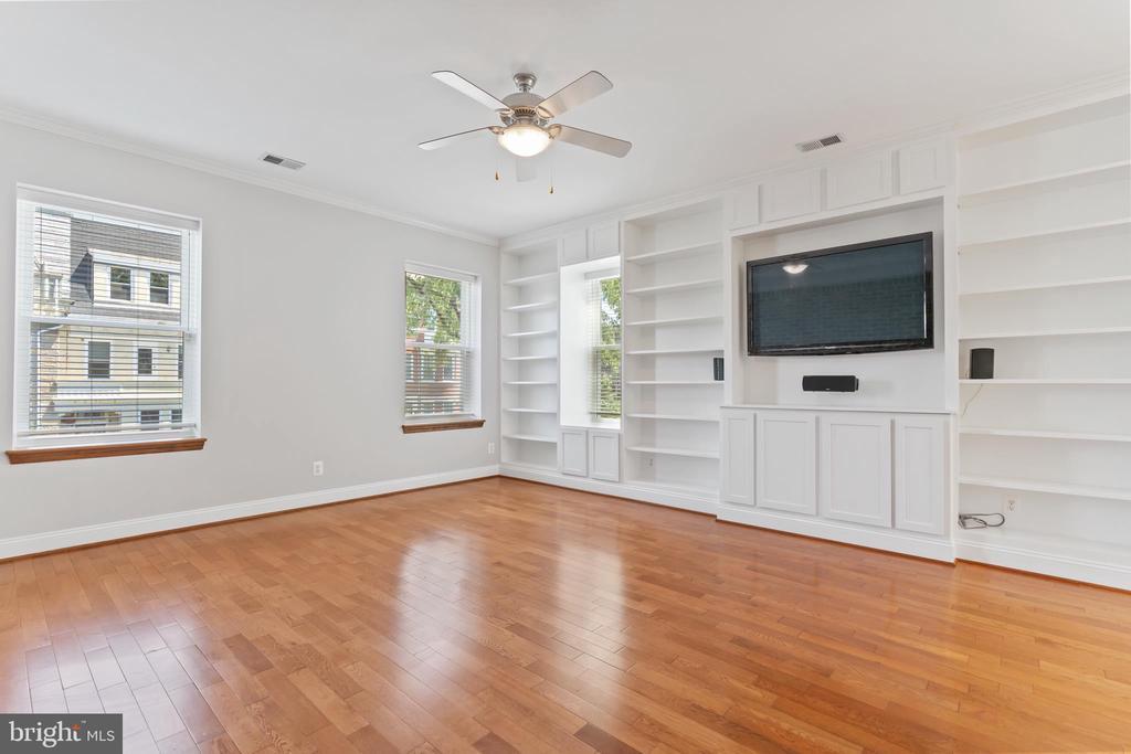 View of Living Room Built-ins - 3518 10TH ST NW #B, WASHINGTON