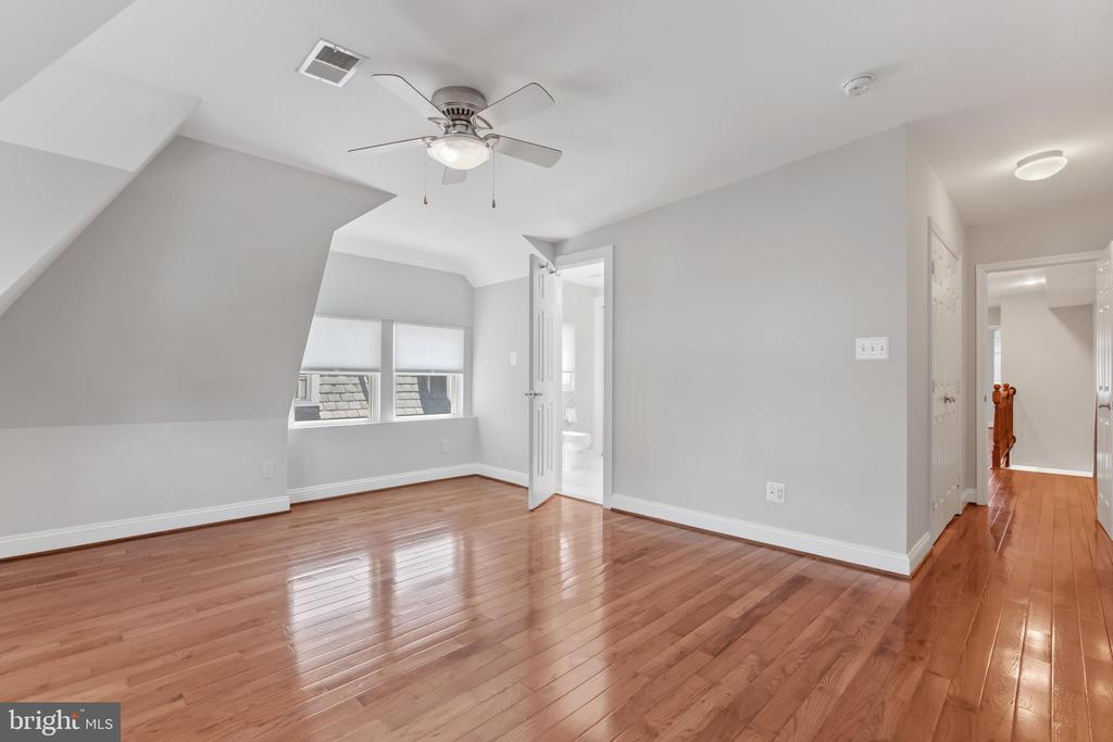Master Bedroom View to Hall - 3518 10TH ST NW #B, WASHINGTON