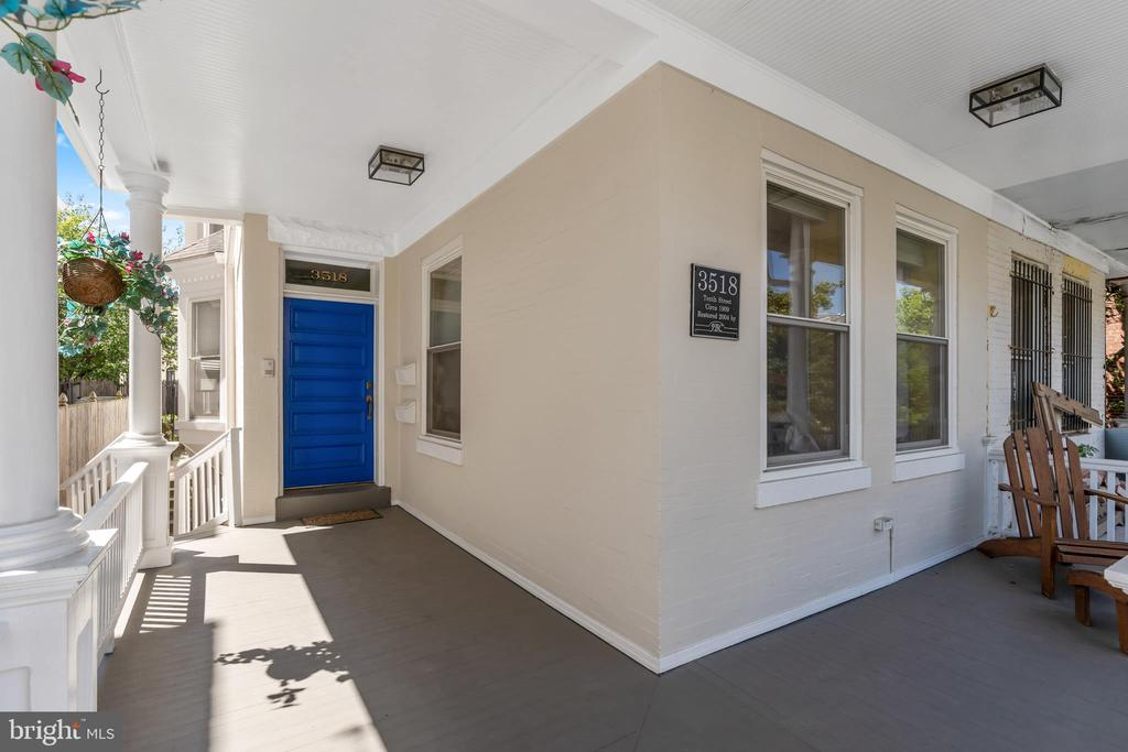 Porch & Front Door - 3518 10TH ST NW #B, WASHINGTON