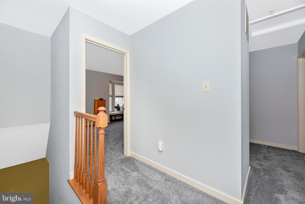 Upper Level Landing - 2022 MALVERN WAY, FREDERICK