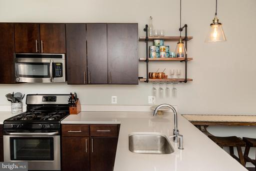 1812 N CAPITOL NW #102