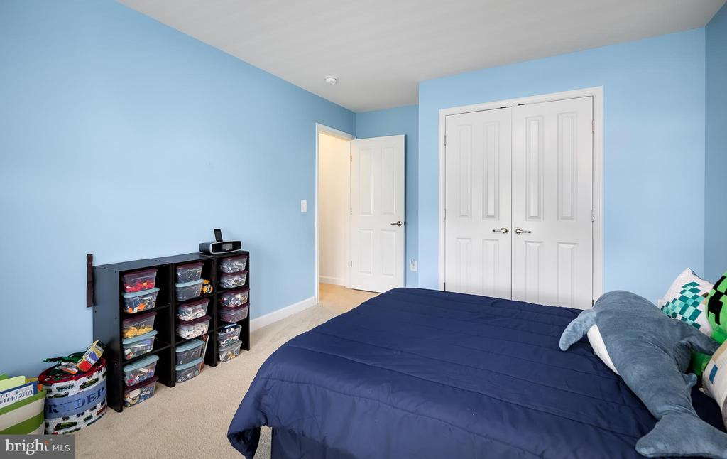 Bedroom 4 - 18 LADYSMITH CT, HAMILTON