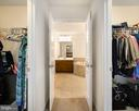 2 Walk-in Closets - 18 LADYSMITH CT, HAMILTON