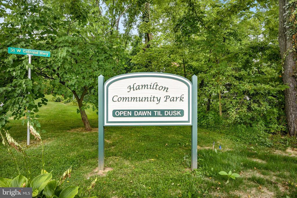 Short Walk to Hamilton Park - 18 LADYSMITH CT, HAMILTON