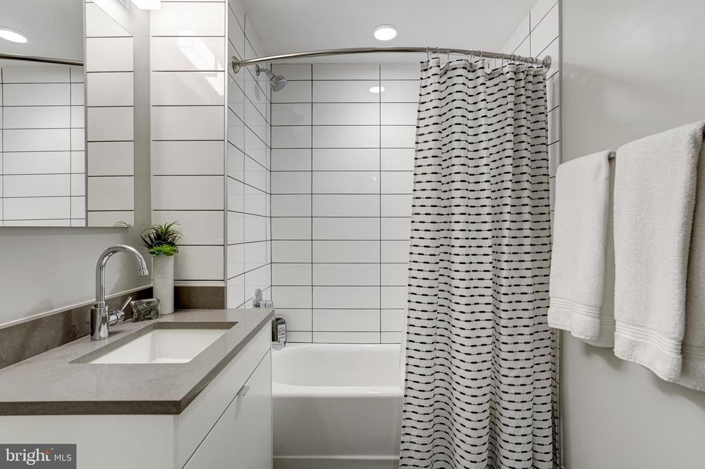 Bathroom - 1300 4TH ST SE #802, WASHINGTON