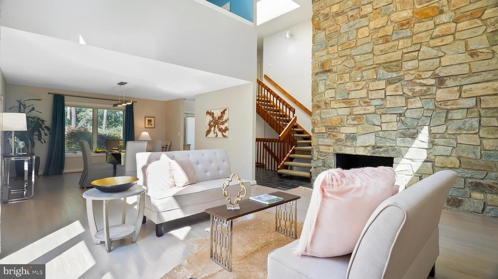 Living room with fireplace - 10717 MEADOWOOD DR, VIENNA