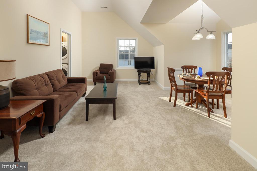 In-Law suite second floor - 2516 1ST RD S, ARLINGTON