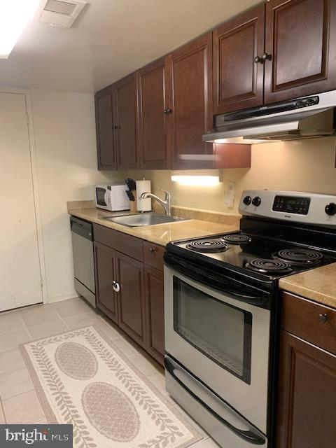 Beautiful cabinets and stainless steel appliances - 4620 CONWELL DR #146, ANNANDALE