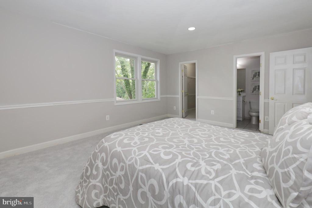 ML Bedroom #2 (2nd Master) - 4124 HUNT RD, FAIRFAX