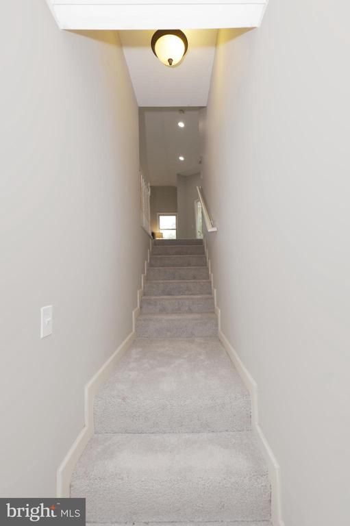 Stairs to UL Master Suite Addition - 4124 HUNT RD, FAIRFAX