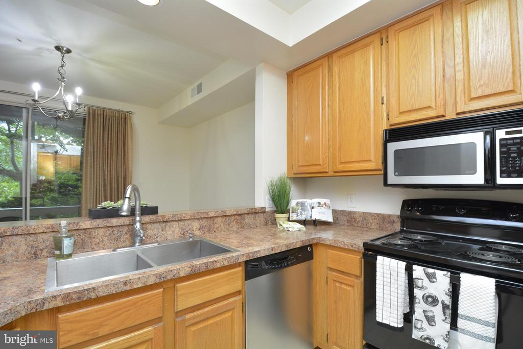 Viewf  th kitchen area. - 7004 ELLINGHAM CIR #45, ALEXANDRIA