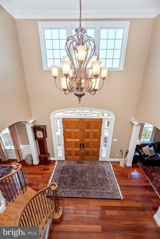 Two-story foyer - 12788 BARNETT DR, MOUNT AIRY