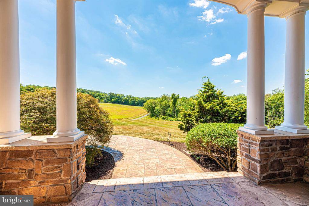 Welcome home! - 12788 BARNETT DR, MOUNT AIRY