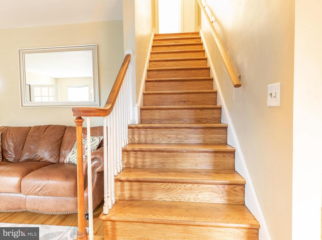 First Floor has Circular Floor Plan - Stairway Up - 9115 FLOWER AVE, SILVER SPRING