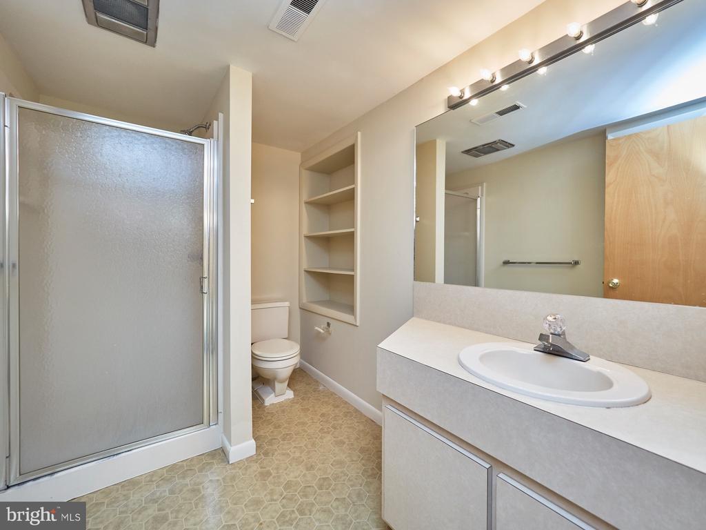 Full Bath in Lower Level - 3710 KRYSIA CT, ANNANDALE