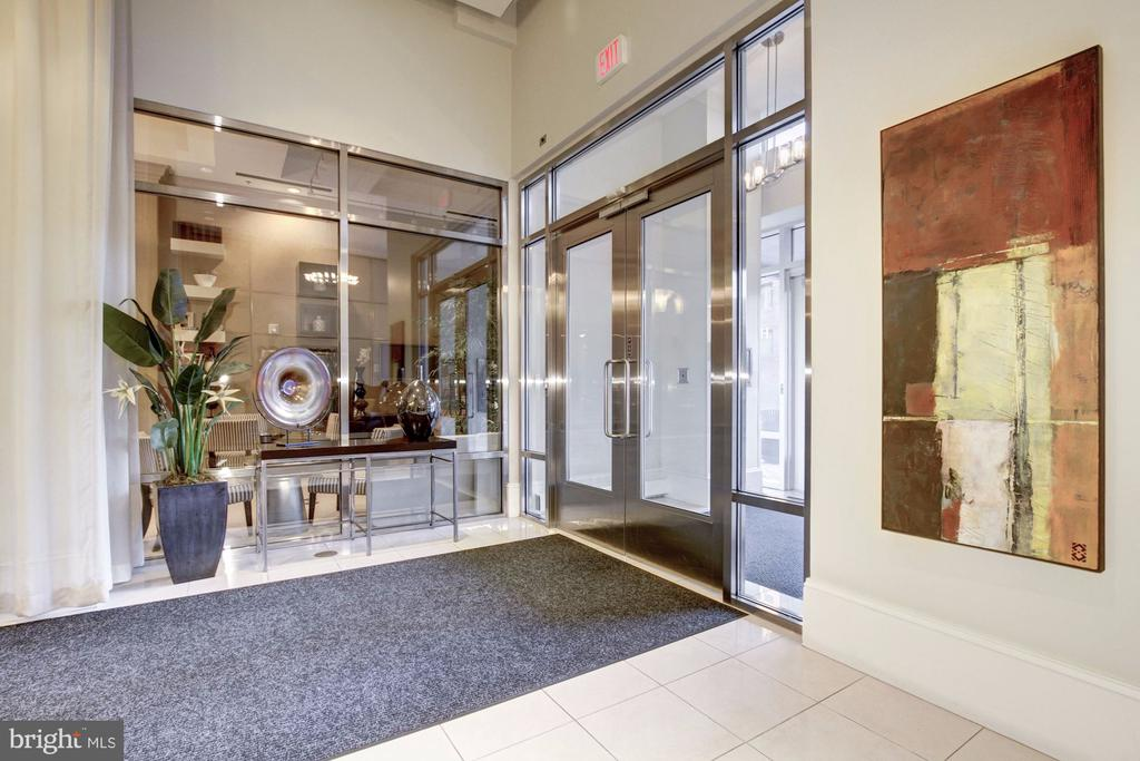 Secure entry - 309 HOLLAND LN #215, ALEXANDRIA