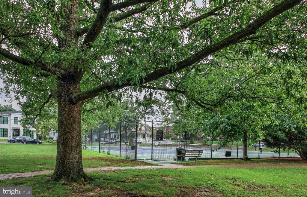 Maury Park and Tennis Courts are Around the Corner - 3506 7TH ST N, ARLINGTON