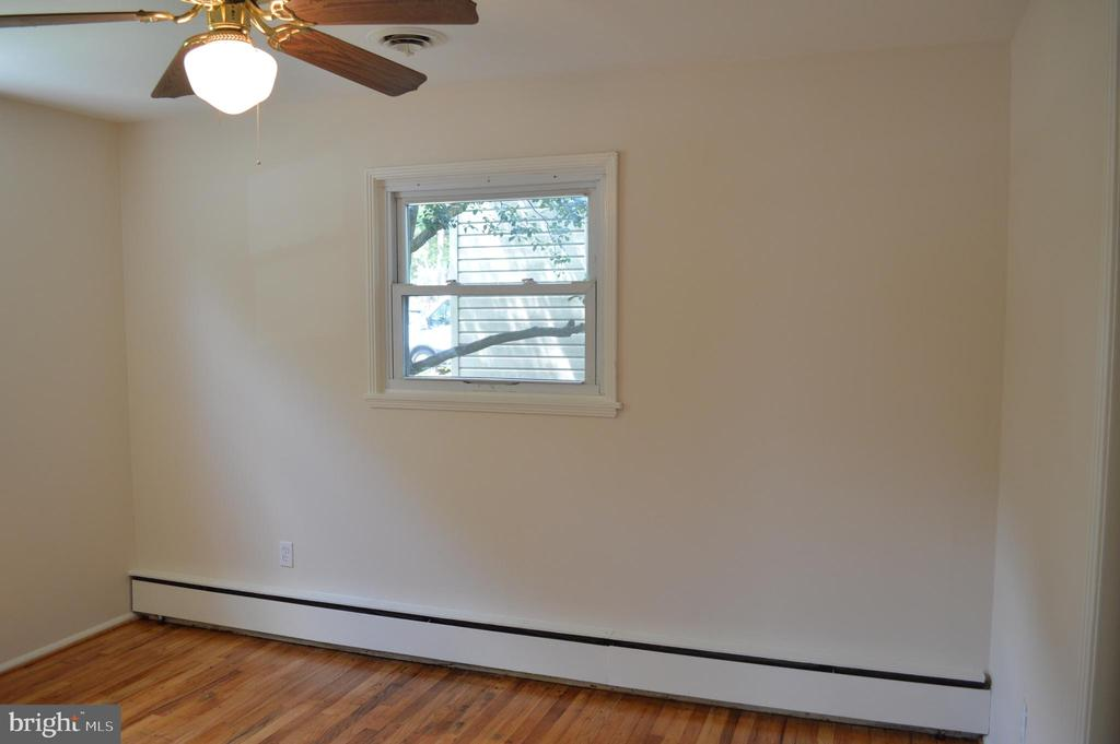 Front bedroom View #1 - 4712 EDGEWOOD RD, COLLEGE PARK