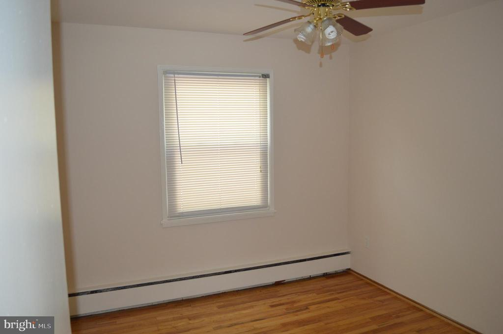 Rear Center bedroom View #1 - 4712 EDGEWOOD RD, COLLEGE PARK