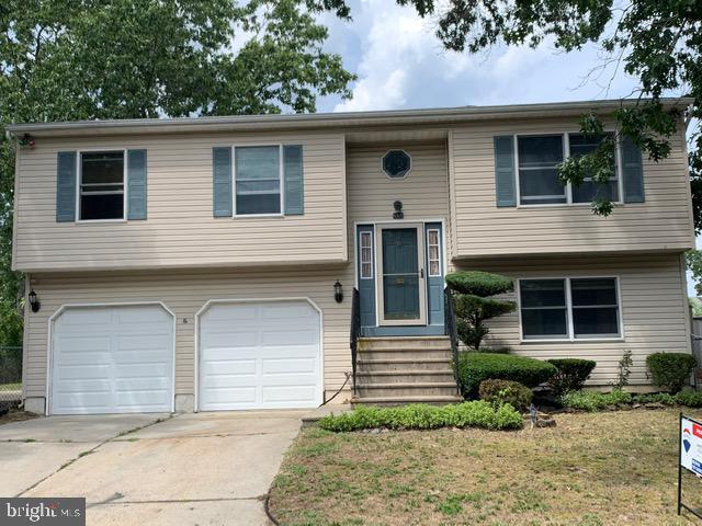 Single Family Homes のために 売買 アット Browns Mills, ニュージャージー 08015 アメリカ