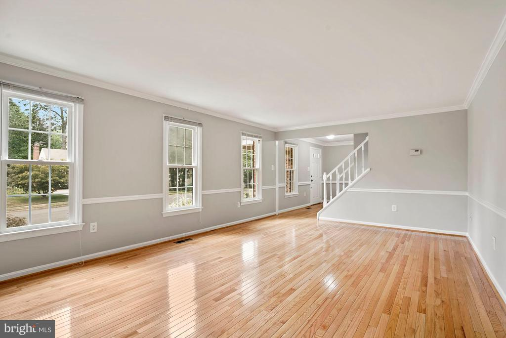 Living Room - 7783 BALLSTON DR, SPRINGFIELD